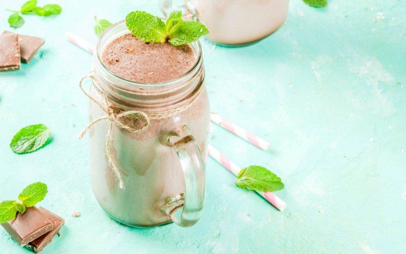 A photo of a vanilla chocolate mint shake